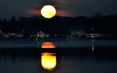 Clark Lake Moon Mimics the Sun